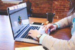 Komu zlecić stworzenie strony internetowej?