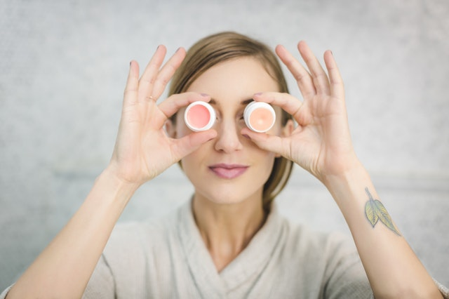 Jak wyleczyć trądzik różowaty na twarzy